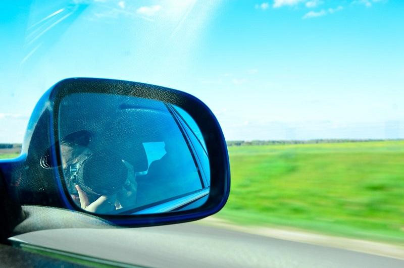 Lo scopo degli specchietti retrovisori