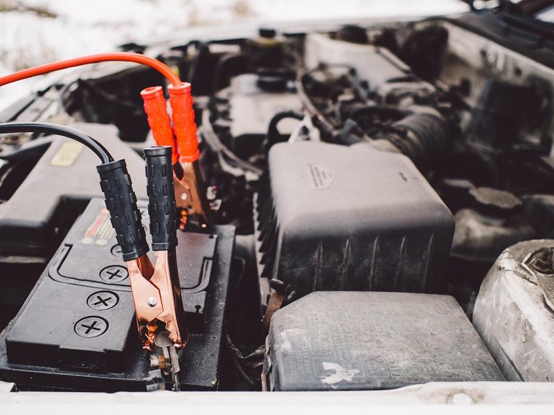 La batteria per auto in genere dura da tre a cinque anni